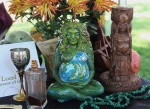 pagan-altar-1034856_640